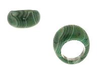 Anelli in bigiotteria con giada verde