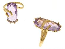 Anello con ametista naturale in oro