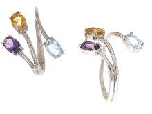 Anello con pietre colorate in oro bianco