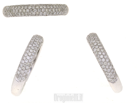 Anello fascia classica con diamanti