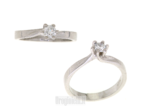 Anello fidanzamento con diamante