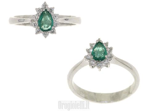 Anello occasione con diamanti e smeraldo