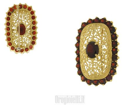 Bellissima spilla con granato in oro