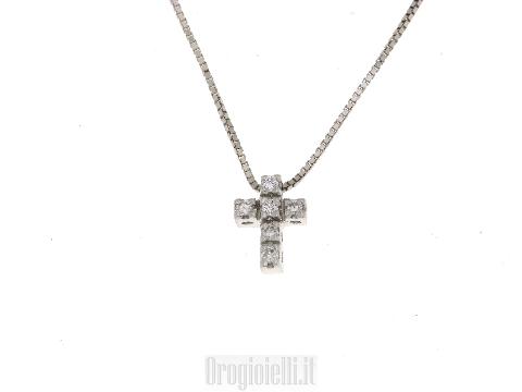 Catenina con croce in diamanti