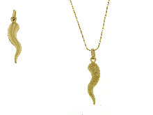 Collana con corno centrale in oro puntinato