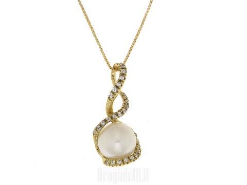 Collana in oro giallo con perla