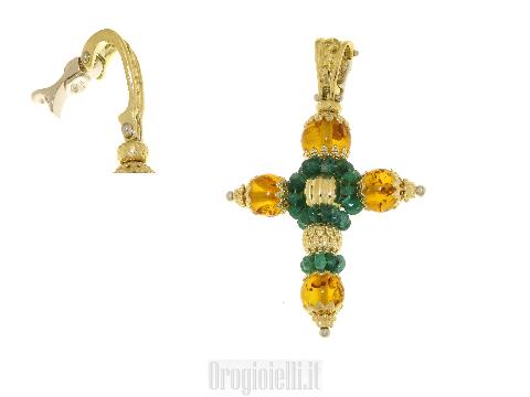 Croce con pietra ambra e smeraldi