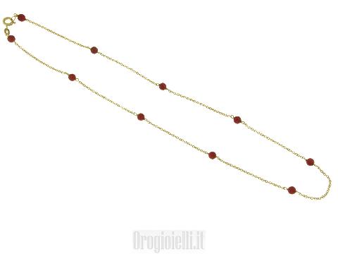 Delicati girocolli in corallo rosso sintetico
