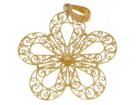 Fiore in filigrana in oro giallo 18 ct