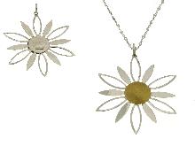Girocollo con fiore grande in oro bicolore