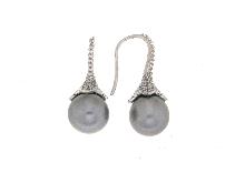 Orecchini a pendente con perla