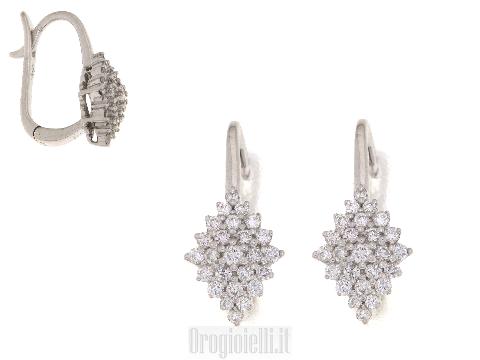Orecchini pendenti con diamanti a rombo