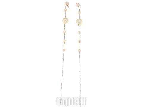 Orecchini pendenti con perle ultima moda