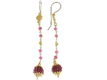 Orecchini pendenti con radice di rubini