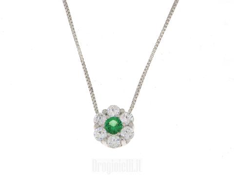 Smeraldo sintetico e zirconi con catena